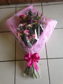 Gift Bouquet in Pink & Creams